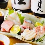 【新鮮な魚介類も入荷!!】 鮮度抜群!!当店のお刺身♪