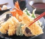 カラッと揚がって、サクッと美味い天ぷら!