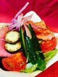 どっさり野菜のガチャガチャサラダ 野菜も肉もお魚も♪