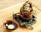 持ち手から料理の熱を感じる、舞茸、海老、鶉団子、鯛の土瓶蒸し