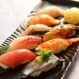 季節に合わせて目利きが仕入れる新鮮魚介をご堪能ください。