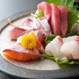 京都中央卸売市場で仕入れる鮮魚はお造りやカルパッチョなどに。