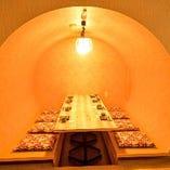 広くて落ち着ける個室でくろ屋料理をお愉しみください。