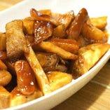 300B ONE 伝統の味『B.F.F.T.』は、Bacon+Frankfurt+Fried potato+Tomato sauce