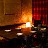 適度なプライベート感が心地良い2階半個室『通称:8番テーブル』