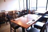 20名様まで対応!2階のテーブル席の完全個室