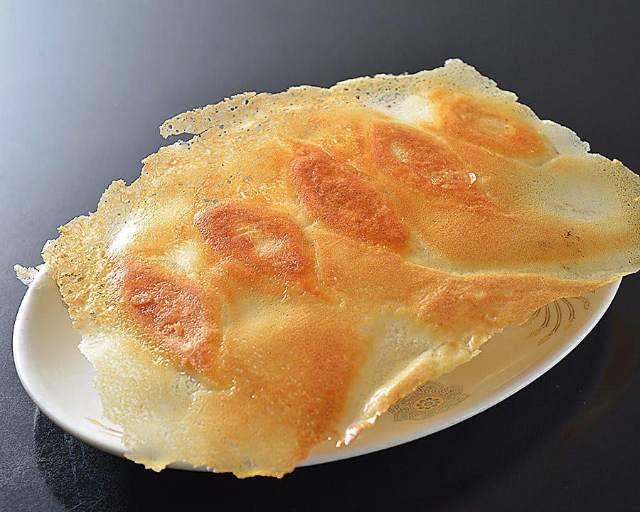 ニイハオ伝統の羽根付き餃子