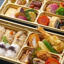地元の海鮮や旬の味覚をお弁当で