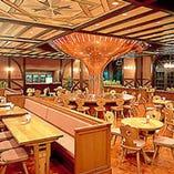 1階:ホール席・バルコニー席もございます。
