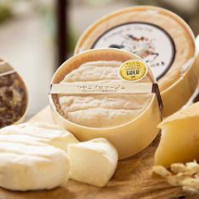 滋賀県竜王市牧場直送チーズ!