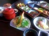 平日ランチの限定メニュー「季の恵の膳」1,620円 (限定15食、こちらのメニューはご予約をお受けできません。)