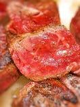 オレガノビーフのカットステーキ デミグラスソース