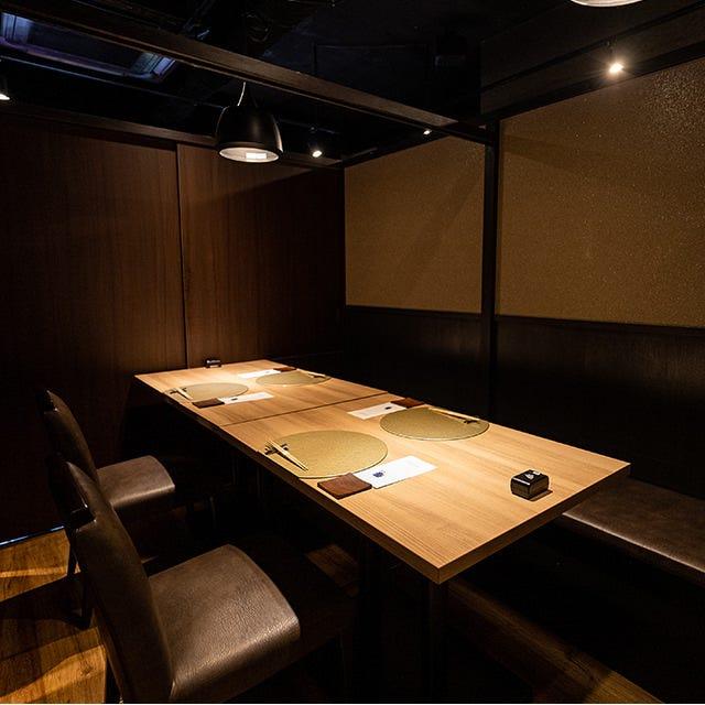 ご会食やご接待に最適な個室多数。
