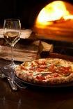 窯で焼き上げる 当店おすすめPizza