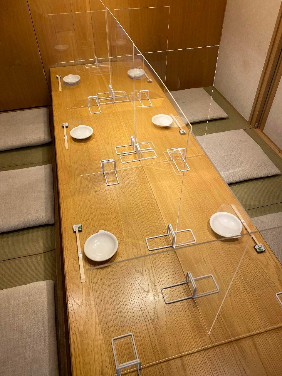 透明アクリル板の設置が可能です。