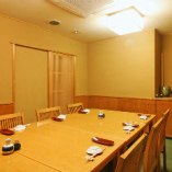ご接待や大事な会食に最適な個室をご用意。4~10名様まで
