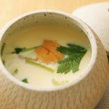 旨みたっぷりの海胆と牡蠣入り茶碗蒸し