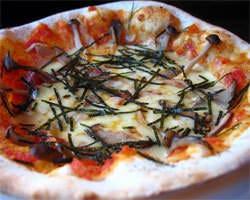 一枚一枚ていねいに焼いたピザ