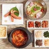 冷麺やユッケジャンスープなど、美味しい一品料理も豊富◎