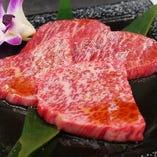 自慢の赤身肉はヘルシーで女性の方にも大好評頂いております。