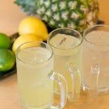 沖縄パイナップルや瀬戸内レモンなど人気の『大人チューハイ』