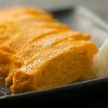 黄身が濃厚なネッカリッチ卵に風味が際立つ「だし巻き玉子」