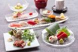 季節の食材を活かしたコース料理は5,060円。