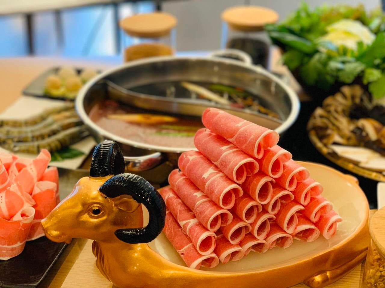 モンゴル薬膳鍋 赤坂門店