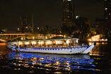 設備の整った屋形船で 水都大阪をご堪能下さいませ。