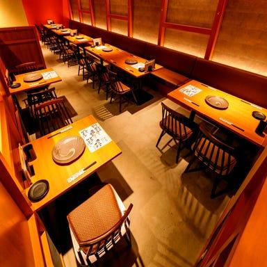 串焼 もつ鍋 博多でべそ 仙台南町通店 店内の画像