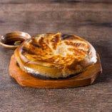 大人気の鉄鍋餃子