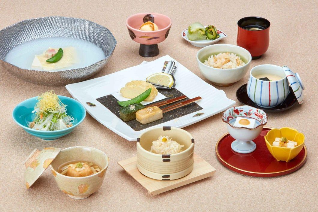 【彩ランチ】湯豆腐がついたお得なランチ〈全13品〉2,700円(税込)