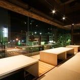 綺麗な夜景を眺めながらのお食事はいかがですか?