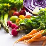 SORAの料理を彩る高い品質の岡山県野菜の数々