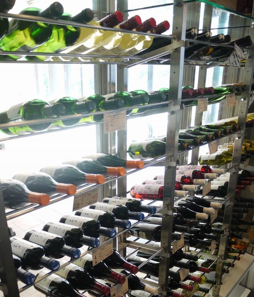 常時200本以上のワインセラー完備