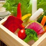 升で食べる彩り野菜スティック バーニャソース添え