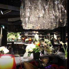 Francis Champagne & Wine Bar