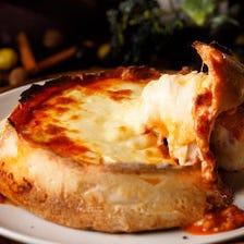 数量限定!特製ミートソースと3種のチーズのシカゴピザ
