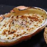 素材の旨みを存分に味わえるカニ甲羅グラタン