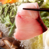 かいりの旬の代名詞・鍋コース! 旬の味覚!天然ぶりしゃぶ鍋♪天然だからこそ身のハリ、脂ののり、全く違います