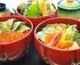 昼限定のおすすめ丼料理(海鮮丼、鮭イクラ丼、水軍天丼)