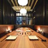 【女子会や食事会に】周囲と区画されたテーブル席