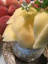 季節のフレッシュフルーツパフェ