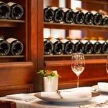 お料理と一緒に楽しめる、様々なワインご用意しています。