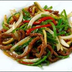 中華弁当(牛肉とピーマンの細切り炒め)