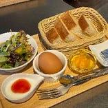 トーストモーニング♪当店自慢の食パンをお召し上がりください。