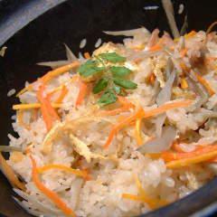 岡山県産鶏の釜飯