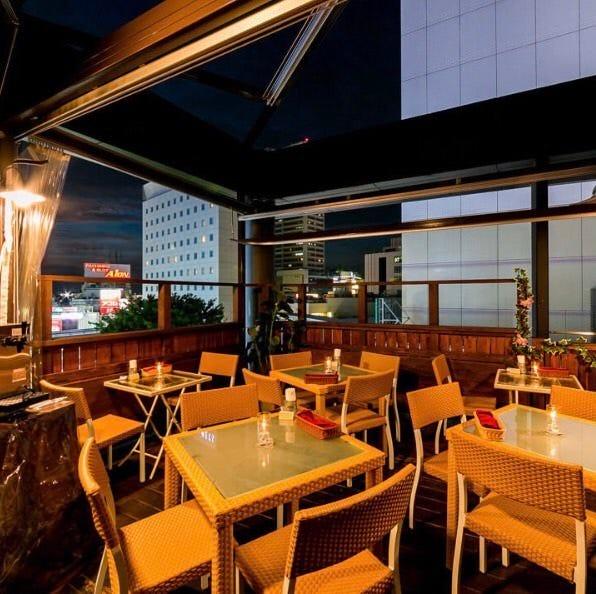 夏時期にぴったりの開放的なテラス席♪立川駅南口から徒歩1分♪