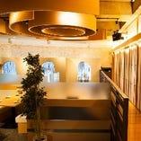 開放的&個室をコンセプトとしたホール全体