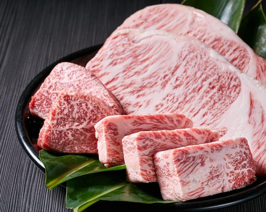 沖縄県産黒毛和牛使用!